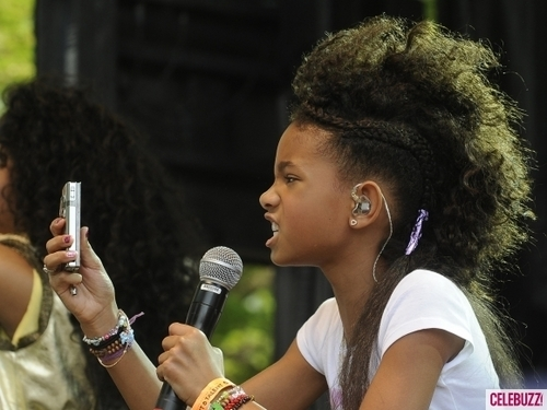 Willow Smith 바탕화면 entitled Willow Smith performance at the White House