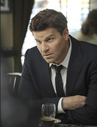 Seeley Booth Hintergrund with a business suit, a suit, and a two piece called 6x23 Promotional Fotos