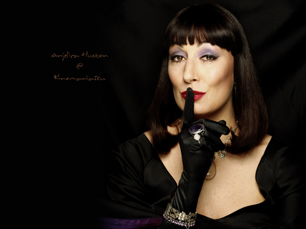 Anjelica Huston - Photo Gallery