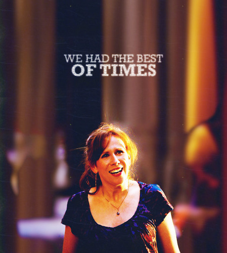 Donna Noble 바탕화면 probably containing a 음악회, 콘서트 and a portrait titled Donna <3