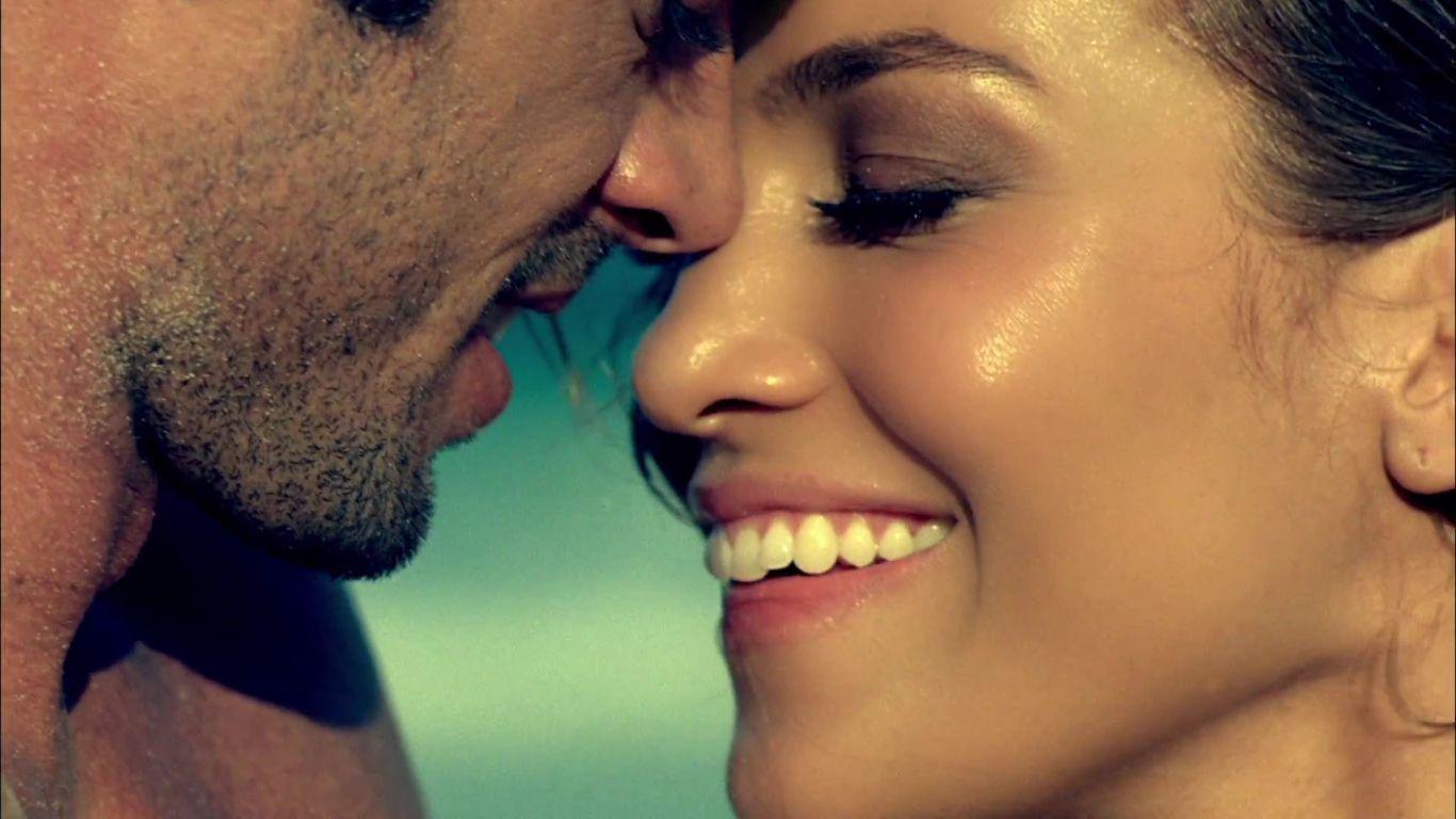 Я поглажу тебя по коленям поцелую твою шею груди 18 фотография