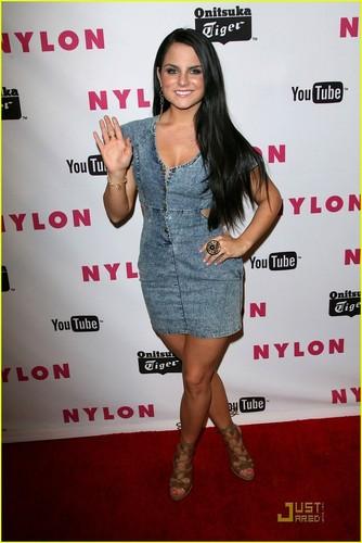 JoJo: Stylish Nylon Mag Girl!
