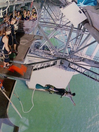 Katy Perry Bungee Jumping