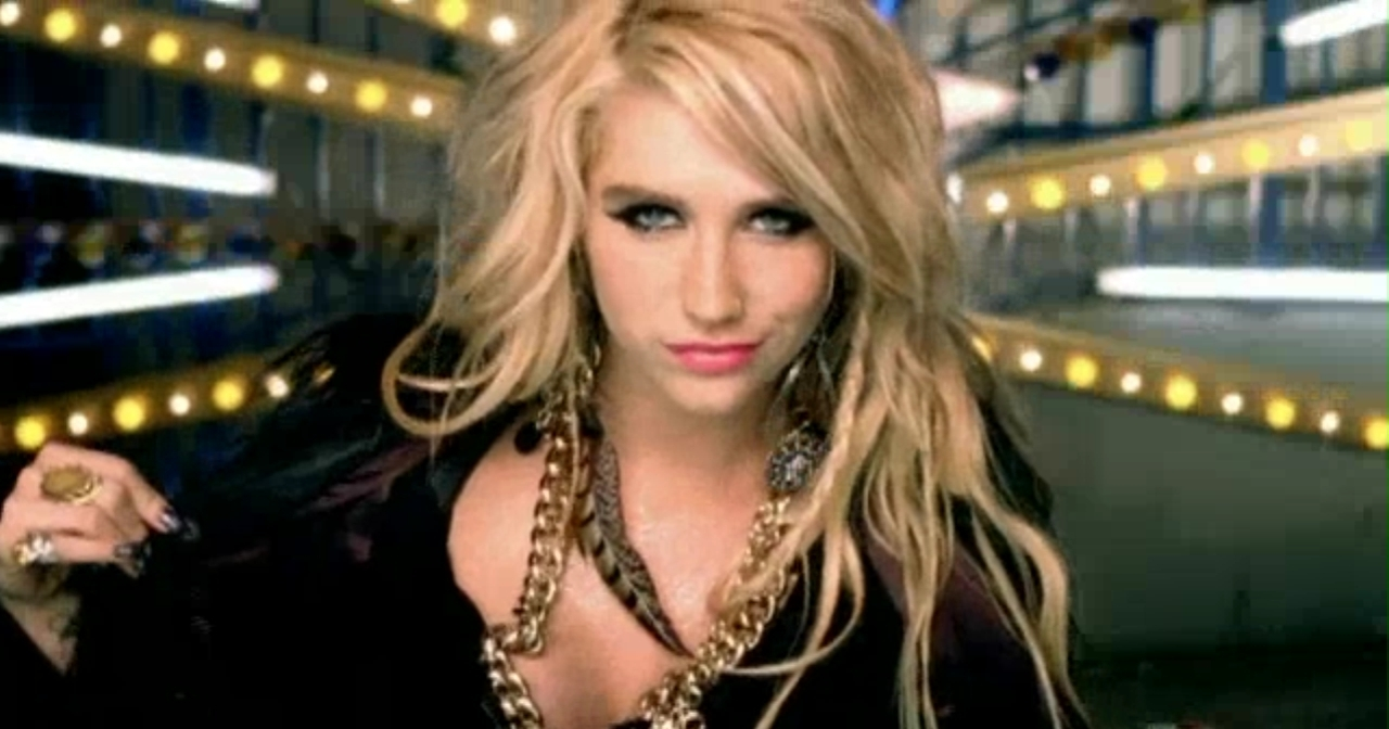 http://images4.fanpop.com/image/photos/21800000/Ke-ha-Blah-Blah-Blah-Music-Video-kesha-21884628-1280-672.jpg