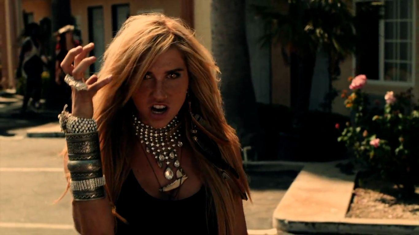 Take It Off [Music Video] - Ke$ha Image (19835118) - Fanpop