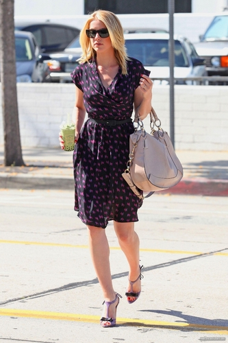 Leaving Urth Cafe in West Hollywood - 05/04