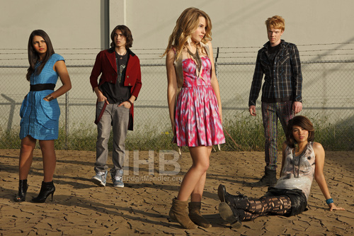 Lemonade Mouth wallpaper possibly containing a chainlink fence entitled Lemonade mouth Photo Shoots