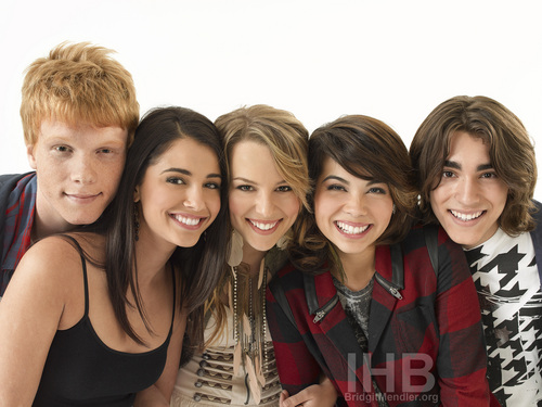 Lemonade Mouth wallpaper possibly containing a portrait entitled Lemonade mouth Photo Shoots