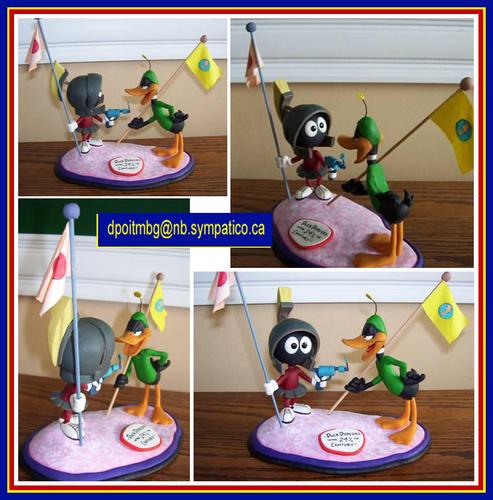 Marvin Martian & Daffy itik Sculpture