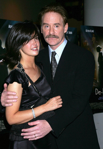 Phoebe Cates & Kevin Kline @ the Premiere of 'De-Lovely'