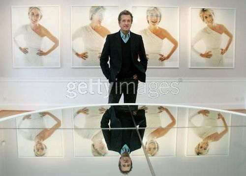 "Press View For ""Diana, Princess Of Wales द्वारा Mario Testino"""