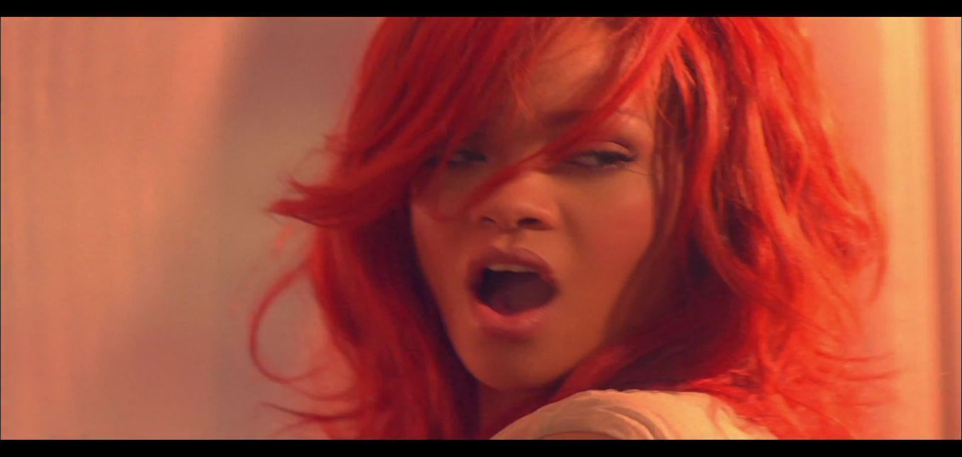Rihanna California King Bed Download Free