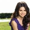 @MaggR      Selena-Gomez-selena-gomez-21893335-100-100