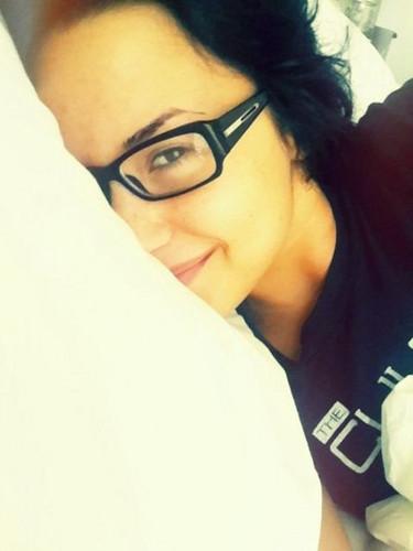 goodmorning demi >.< !