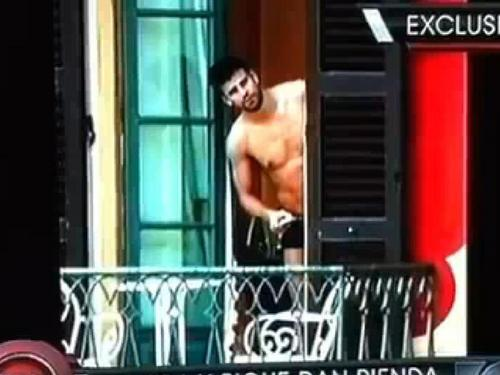 naked pique