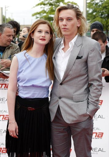 http://images4.fanpop.com/image/photos/21900000/2011-National-Movie-Awards-jamie-campbell-bower-21947018-356-511.jpg