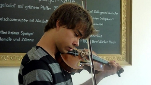 Alex playing Bergrosa on violin in the meeting with fans in Germany! :)