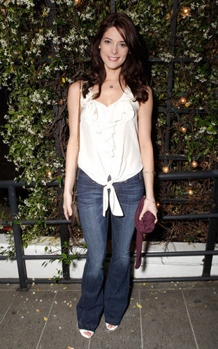 Ashley Greene @ the STK Los Angeles 3 سال Anniversary Party (May 10)