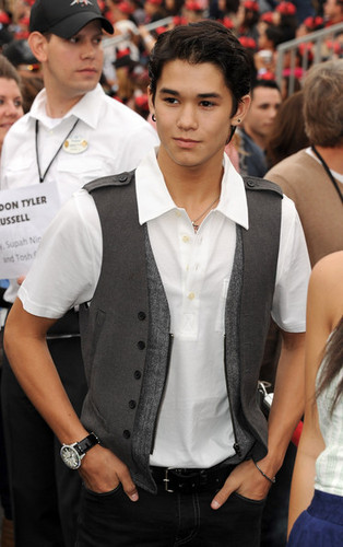 Booboo Stewart @Pirates Of The Caribbean Premiere