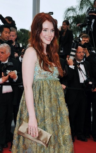 "Bryce Dallas Howard Checks Out Cannes ""Restless"" Debut"