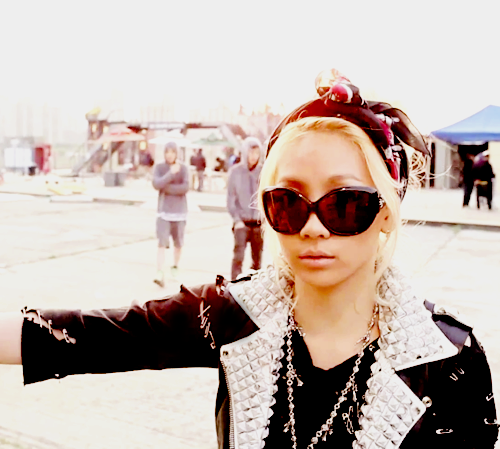 ~MV's~ CL-LONELY-2ne1-and-bigbang-21930406-500-449