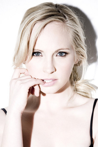 Candice Accola wallpaper containing a portrait called Candice Accola <3