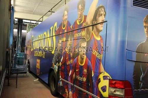 Champions Bus