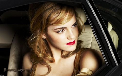 Emma Watson wallpaper possibly containing an automobile titled Emma Watson <3