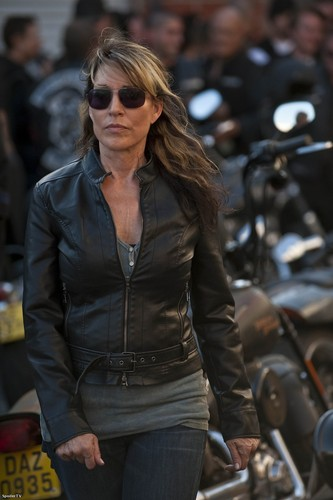 Gemma Teller Morrow wallpaper with sunglasses and a business suit titled Gemma Teller Morrow