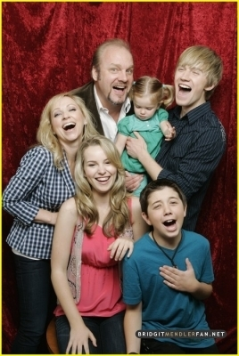 Good Luck Charlie wallpaper entitled Good Luck Charlie