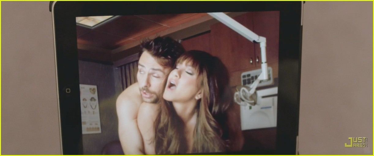 Jennifer Aniston: バナナ Sex in 'Horrible Bosses' Trailer!