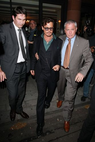 Johhny depp leaving the Cipriani restaurant in Luân Đôn 13.05.2011