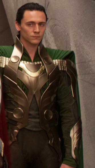 Loki-loki-thor-2011-21916698-333-591.jpg