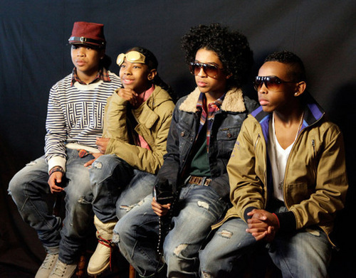 Ray Ray (Mindless Behavior) wallpaper possibly containing a green beret and regimentals titled Mb