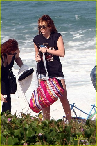 Miley Cyrus: Brazilian spiaggia Beauty!