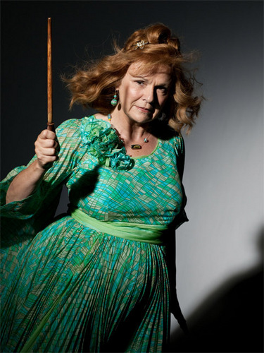 Molly Weasley HP 7 part 1
