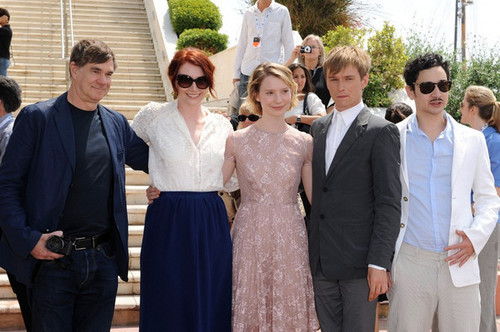 """New fotos of Bryce at Cannes 2011 - """"Restless"""" Photocall."""