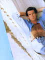 PIERCE BROSNAN HOT SHIRTLESS.