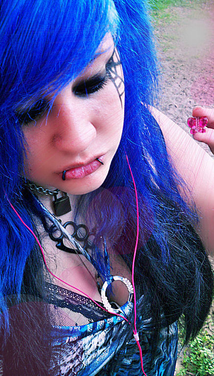 Related Pictures Emo Hairstyles For Emo Kids Pictures to pin on ...