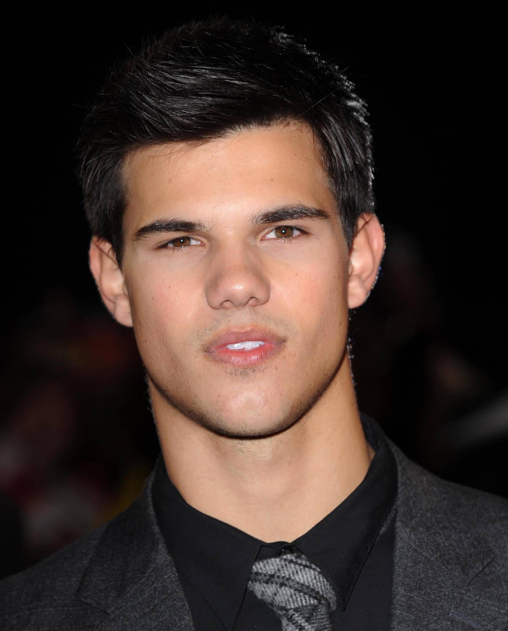 Taylor Lautner images ...