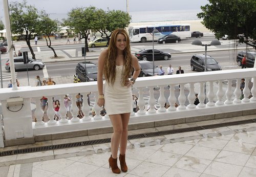 Miley Cyrus wallpaper entitled 13. May - At the Copacabana Palace Hotel in Rio de Janeiro