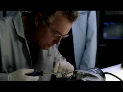 CSI kertas dinding called 2x03- Overload