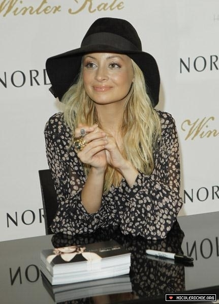 Nicole Richie 514 Nordstrom Fashion Island Event
