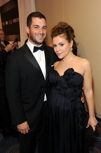 Alyssa Milano and David Bugliari at the White House Correspondents makan malam ||