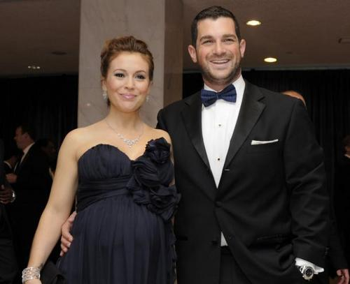 Alyssa Milano and David Bugliari at the White House Correspondents makan malam, majlis makan malam ||