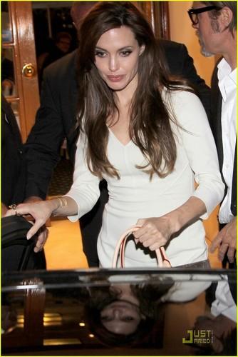 Angelina Jolie & Brad Pitt: Tetou Twosome!