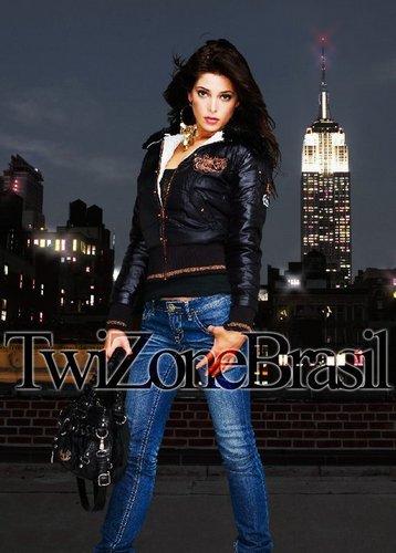 Ashley Photoshoot Twizonebrasil