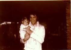 Elvis Aaron e Lisa Marie Presley wallpaper called Awwwwww!!