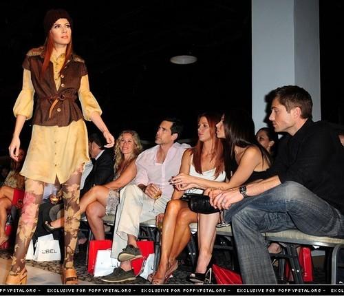 Fashion tunjuk in Puerto Rico (4/29/11)