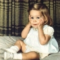 Little Lisa - elvis-aaron-presley-and-lisa-marie-presley photo